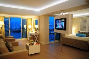 Alesta Yacht Hotel 4*