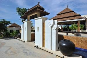 Aonang Cliff Beach Resort 4*
