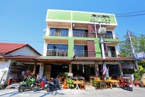 Baan Kamala Hostel & Guesthouse 3*