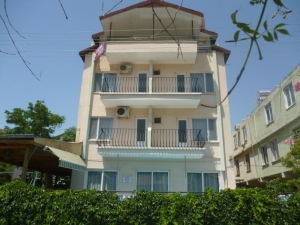 Cicek Hotel & Apartments