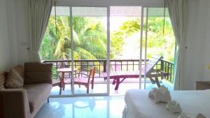 Kirati Beach Resort 3*