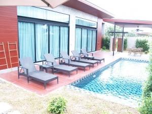 Sea Two Pool Villa Resort Pattaya 4*
