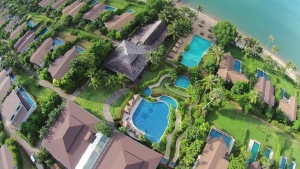The Village Coconut Island Beach Resort 5*