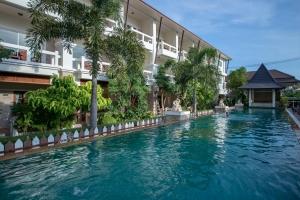 Neptune's Villa 3*